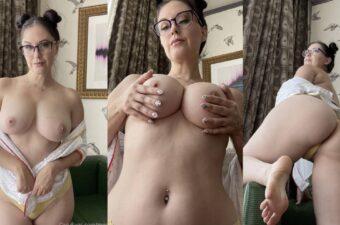 Meg Turney Nude Candids Photos Leaked