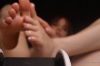 Maimy ASMR Pantyhose Feet Massage Video Leaked
