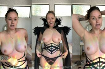 Meg Turney Nude Evil Queen Try On Video Leaked